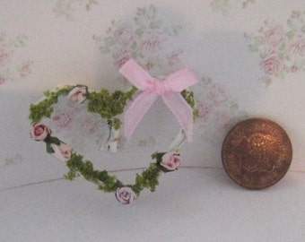 Dollhouse heart, vine heart, wall decoration, picture, Rosebud heart, twelfth scale, dollhouse miniature