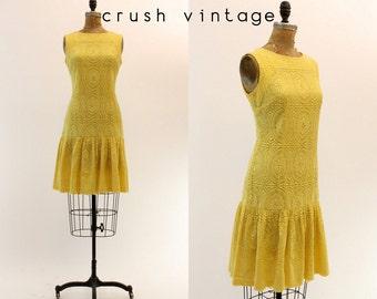 60s does 20s Crochet Dress Small / 1960s Vintage Dress Lace / Summer Bloom Dress