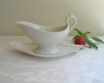 Antique White Porcelain De Paris Gravy/Fruit Sauce Boat Circa Early 1800's France