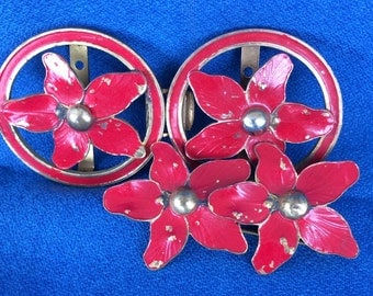 Vintage Red Flower Pin Brooch and Belt Buckle made of Gold Metal with Enamel 1940's 1950's