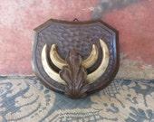 Vintage Antique French Oak Hunting Trophy / Carved Oak Shield Trophy / Country Home Chic Decoration 1900 / Carved Oak Leaf Decor