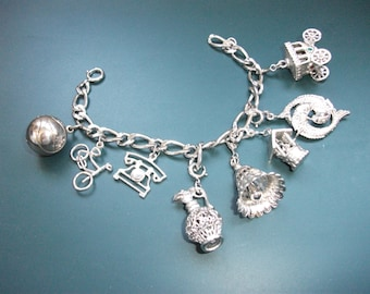Vintage Working Monet & Sterling Silver Charm Bracelet With Charms