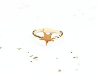 Tiny Gold Star Ring