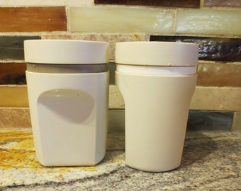 Tupperware salt and pepper shakers vintage