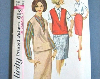 Vintage 1960s Skirt Top Blouse  Sewing Pattern by Simplicity 5601    Bust 34 inches