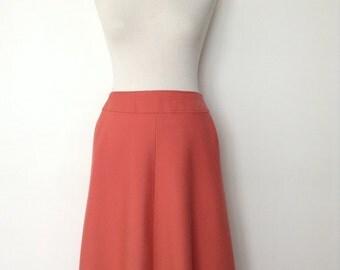 French vintage 1970s coral skirt - medium M