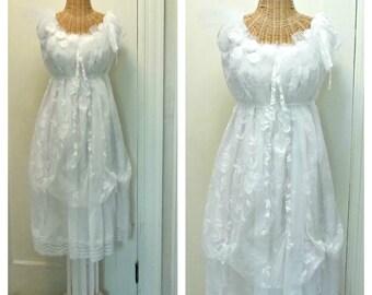 Bouquet Wedding Dress Size Medium Large Boho Gown Lace Roses Unique Lined Boho Victorian Vintage Look White Bridal Tulle