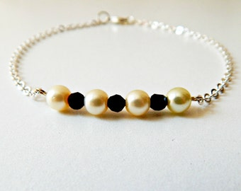 Peal Bracelet/ Beaded Jewelry/ Black and Ivory/ Silver Chain/ Bridesmaid Gift/ Wedding Accesories
