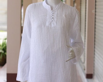 SALE 29 USD--B228--Cotton blouse with cute pleats