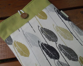 iPad cover- iPad case - tablet protection sleeve - Gender neutral - Feathers