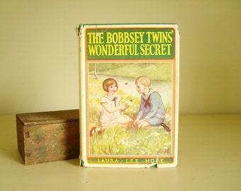The Bobbsey Twins' Wonderful Secret, 1931 novel, Christmas story, children's classic, hardcover with dust jacket, girls room decor