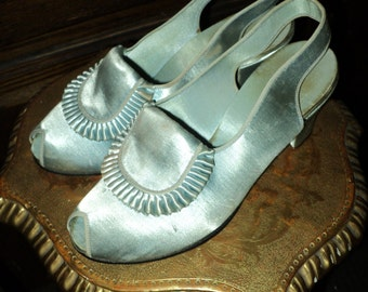 "FINAL SALE 1947 Vintage Daniel Green Slippers Collectible Museum deacession ""comfy"" line Pleated Front Panel Heels Sling Back"