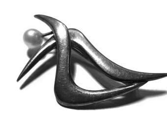 Modernist Sleek Silver Brooch