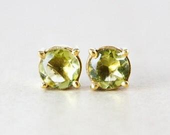 Green Peridot Quartz Studs - August Birthstone Studs - Goldv