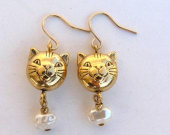 Cat Earrings Pearl Gold tone Dangle Earrings Halloween