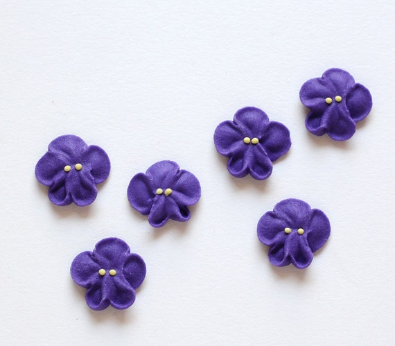 Small Royal Icing Violets to Decorate Cupcakes and Cakes (24)