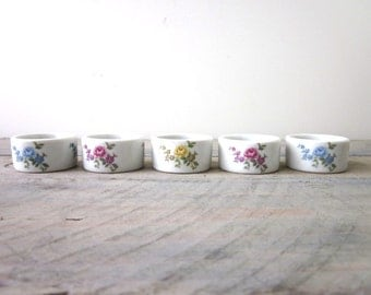 Set of 5 White Floral China Porcelain Napkin Rings Shafford