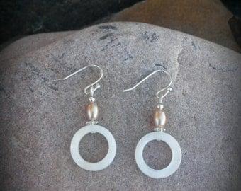 Shell Earrings, Shell Hoop Earrings, Cream Circle Shell Silver Earrings, Shell Earrings, Cream Shell Earrings
