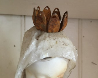 Rust iron crown,vintage aged crown,Princess crown,Prince crown, Queen crown,Royal Crown,Statue Figurine, rust crown, flower crown