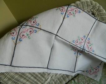 Vintage Tablecloth Table Linens Cottage Chic  Decor Vintage Linens Beautiful Table cover Vintage Linens