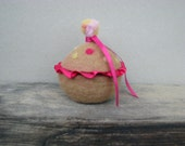 Felted small pink bowl,removable lid, Wool Basket,girl gift room decor and storage.