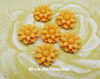 36-00-CA   6pcs Pretty  Mini Chrysanthemum Cabochon - Beach Topaz