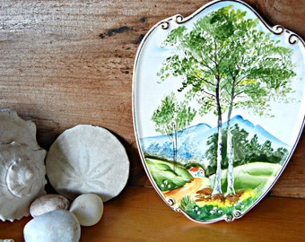 Lefton Decorative Handpainted Plate Summer scene in the shape of a shield  with gold paint accents marked 4927 Wall hanging
