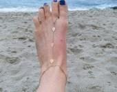 Gold barefoot sandal, foot jewelry, beach wedding, barefoot sandal, gold leaf anklet, body jewelry, foot chain