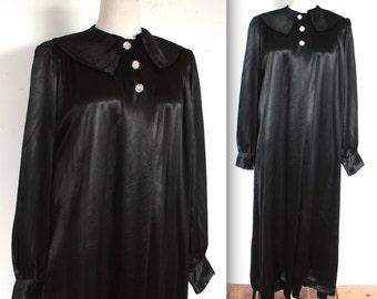 Vintage 1940's Robe // 40s Midnight Black Silk Satin Lounge Robe with Rhinestone Buttons // DIVINE