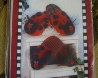 Ladybug Sewing pattern to make slippers for adults and kids  LA Designs crafting craft project