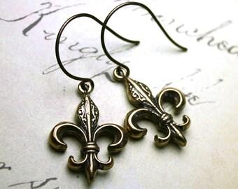 Fleur-de-Lis Earrings in Natural Brass - Antiqued Brass French Earrings - Two Sided Fleur-de-Lis