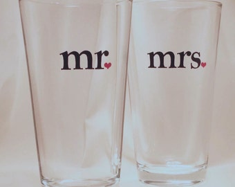 mr & mrs Pint Glasses, Beer Glasses