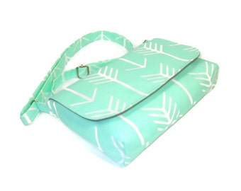 Small Mint Green Purse, Mint Arrow Purse, Mini Messenger Bag, Green White Crossbody Bag, Womans Cross Body Bag, Handmade Green Pocketbook
