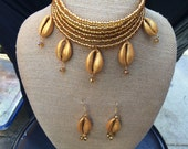 Cowry Shell Necklace Set in Gold
