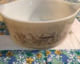 Vintage Forest Fancies 750ML Pyrex  Serving Bowl Made in The USA #2221