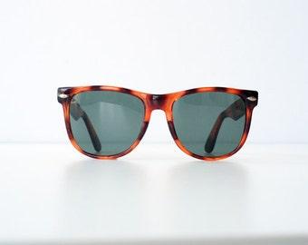 Vintage 80's 90's 1990s 1980s Tortoise Wayfarer Sunglasses