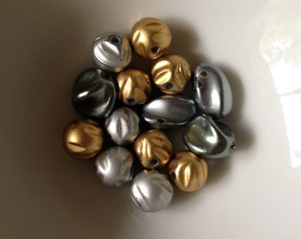 DESTASH, VINTAGE BEADS, Gold, Silver, Charcoal, 10-12mm, Grooved, Oval, Rounds, 14 Beads