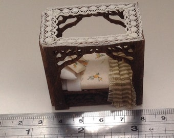 Dolls House Miniatures - Handmade 1/48th four poster (1/4inch bed) - NEW SPRING 2015