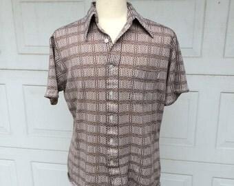 Brown Polyester 70s Vintage Disco Shirt Patterned Polyester Short Sleeve Top Wrangler Large XL Slim Fit Men Women