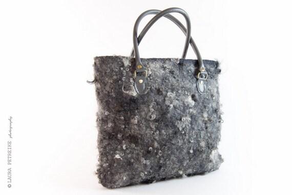 Handgemaakte Vilten Tas : Vilten grijs handtas wol tas rauwe schouder regina