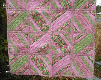 Lap Quilt Wall Hanging Tapestry Baby Crib Patchwork Quilted Fabric Lined Cotton Green Pink Yellow Floral Country Picnic Decor Cover Blanket