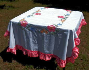 Cross stitch Table Cloth Gingham Ruffle Red