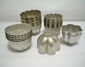 Kitchen vintage - Food mold lot - 21 pieces - Aluminum kitchen lot - Utensils - Jello molds - Collectibles - cheesegrits