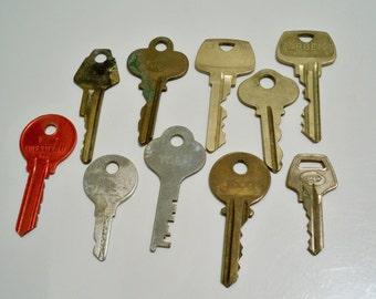 Nice Keys   Lot Of 10   Vintage Keys   Door, Lock, Car, Etc Keys   Metal    Jewelry Making Supply For Pendants   Cheesegrits