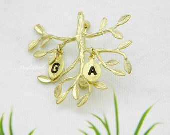 """Shop """"grandmother jewelry"""" in Brooches"""