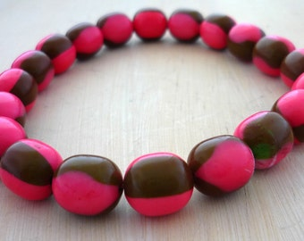Vintage bright pink & white brown lucite oval beads 10mm
