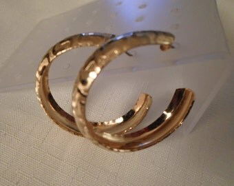 GOLD HOOP EARRINGS / Pierced / Embossed / Art Moderne / Fashionista / Trendy / Hipster / Rockabilly / Traditional / Modernist / Accessories