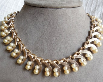 Vintage Signed ART Gold Leaf & Pearl Link Choker Necklace
