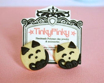 Tinky cat post earrings beige and chocolate combo