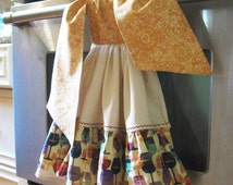 Tie Up double flour sack dish/kitchen/tea towel--Wine motif ruffle-two in one